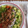 13 ensaladas con carnes para incluir de forma más sana este grupo de alimentos en la dieta