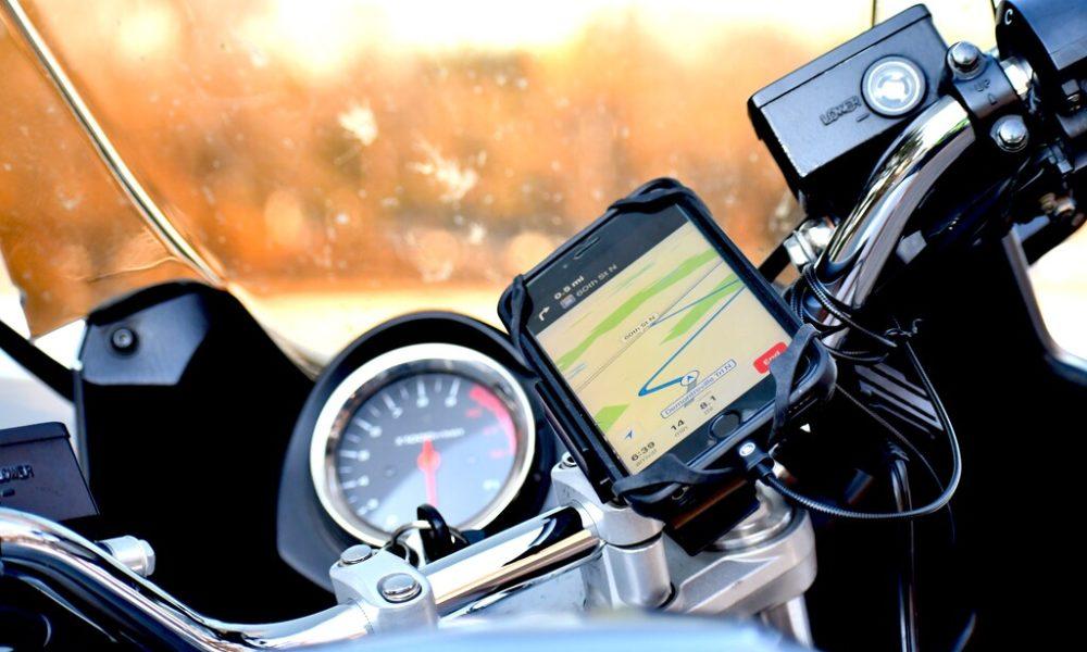 Atención con las motos y las cámaras del iPhone: Apple advierte de que las vibraciones pueden dañar el sistema de estabilización